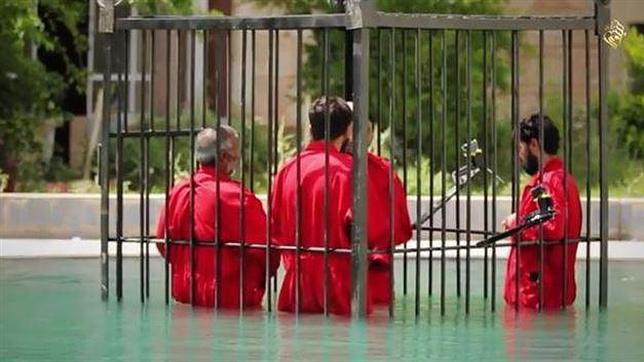 Decapitaciones explosivas y ahogamientos en jaulas, las últimas técnicas del Estado Islámico