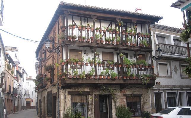Casa de las Flores, hogar del Museo del Juguete de Hojalata, Candeleda