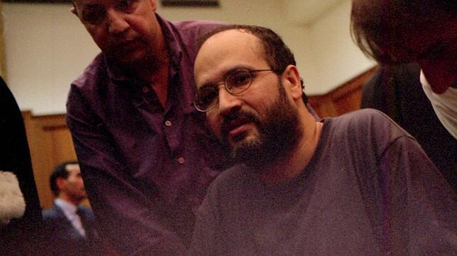 Lmrabet, en un tribunal de Rabat durante la huelga de hambre que emprendió en prisión en 2003