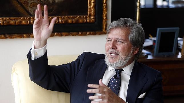 El nuevo ministro de Cultura se opuso a la supresión de las ayudas al ganado de lidia