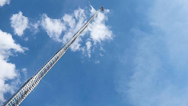Magirus contra el fuego la escalera m s alta del mundo for Escaleras largas