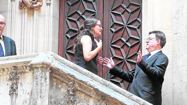 Ximo Puig y Mónica Oltra después del juramento del cargo ayer del nuevo Consell