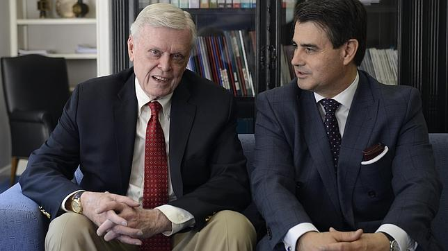 Russell Palmer junto a Manuel Alonso Puig, actual presidente y CEO de Schiller International University