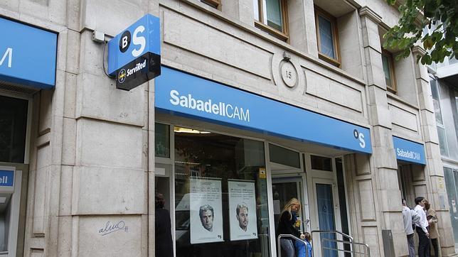 Banco sabadell unifica sus marcas en espa a para potenciar for Oficinas sabadell madrid