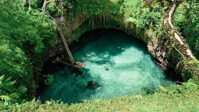 La piscina natural m s incre ble del mundo for Piscina isla leon