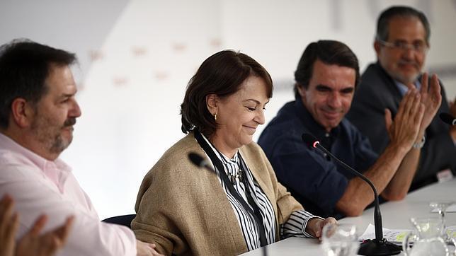 Aznar: «No pactar con los populistas es la primera regla para evitar el populismo»