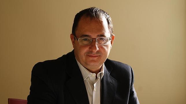 El doctor José Francisco Tinao, director médico de la Clínica Medicina Integrativa