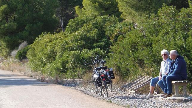 Nuestros mayores tienen una gran aliada en la bicicleta, pero adoptando precauciones en cuanto a seguridad vial