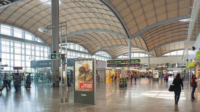 El gasto por pasajero en el aeropuerto de alicante elche for Hoteles interior alicante