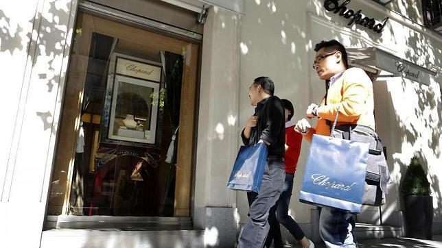 El turismo asiático desembolsó en Madrid un 30% más en 2014