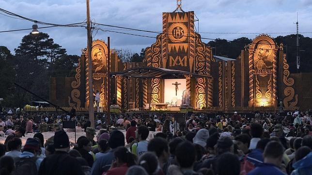El Papa dice que la Iglesia es una «madre de corazón abierto que acoge al pecador»