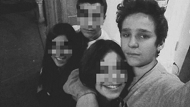 Felipe Juan Froilán, con sus amigos