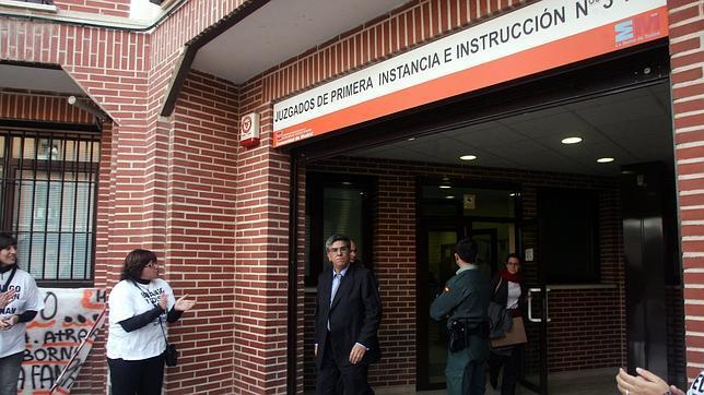 Funcionarios de un juzgado de valdemoro madrid abandonan for Juzgados viapol sevilla