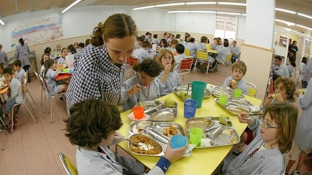 Unos ni os estrenan el jueves 160 comedores for El comedor escolar