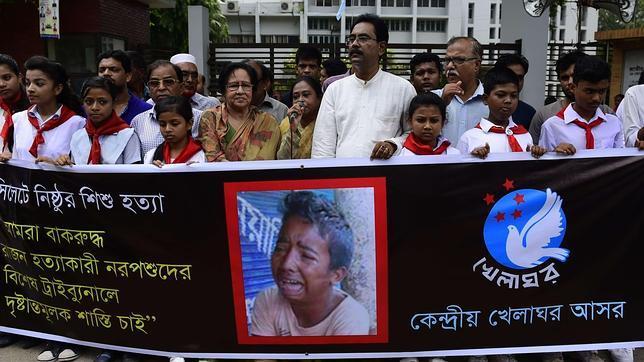 El vídeo que avergüenza a Facebook: torturan, matan y graban a un menor en Bangladesh