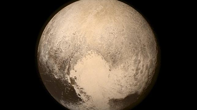 La «New Horizons» sobrevive con éxito a su histórica aproximación a Plutón