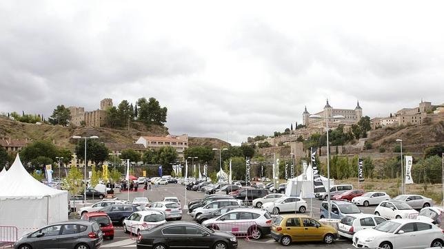 En octubre, el nuevo aparcamiento de Azarquiel acogió la Feria del Automóvil