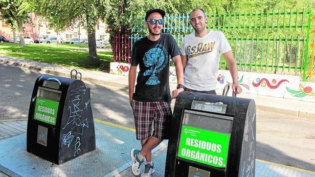 Rafael Diéguez y Daniel Martín (de izquierda a derecha). El primero, fue el que oyó gemidos; el segundo le ayudó