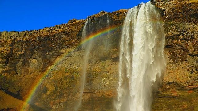Detalle de la cascada Seljalandsfoss