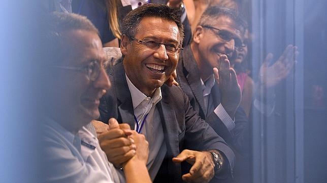 Bartomeu, feliz durante la noche electoral