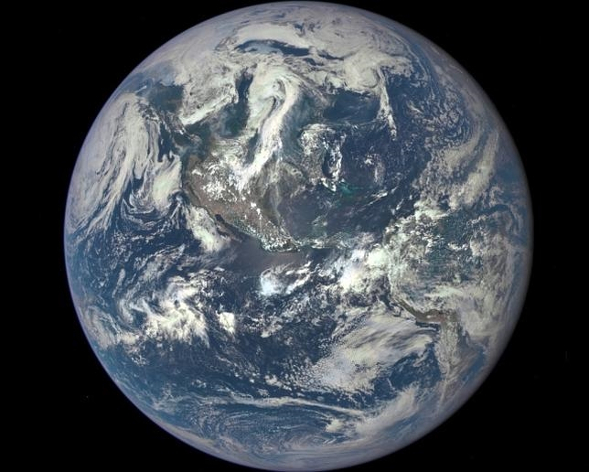 La NASA proporciona la primera imagen completa de la Tierra tomada por un satélite