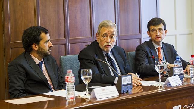 El secretario de Estado de Administraciones Públicas, Antonio Beteta, en un curso de la UIMP