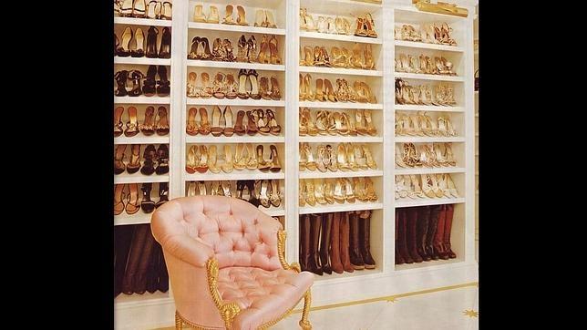 Mariah carey muestra su habitaci n favorita un armario for Armario para zapatos