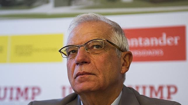 Josep Borrell, en una ponencia durante los cursos de verano de la UIMP en Santander