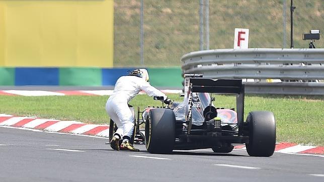Alonso arrastra el McLaren