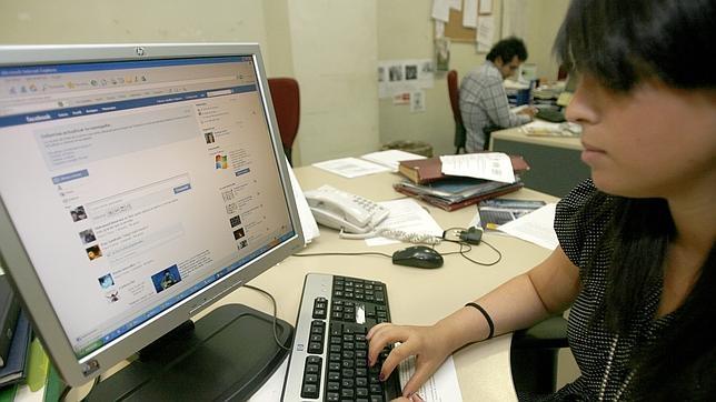 Usar las redes sociales más de dos horas diarias de media disminuye la salud mental