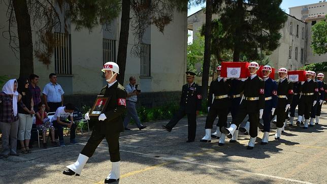 Funerales este domingo de dos militares turcos asesinados por el PKK