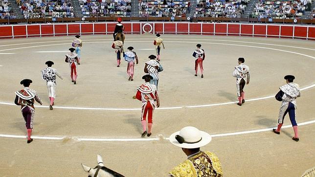 Paseíllo en el Coliseum de La Coruña