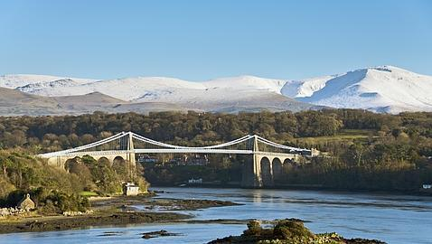 Anglesey - London
