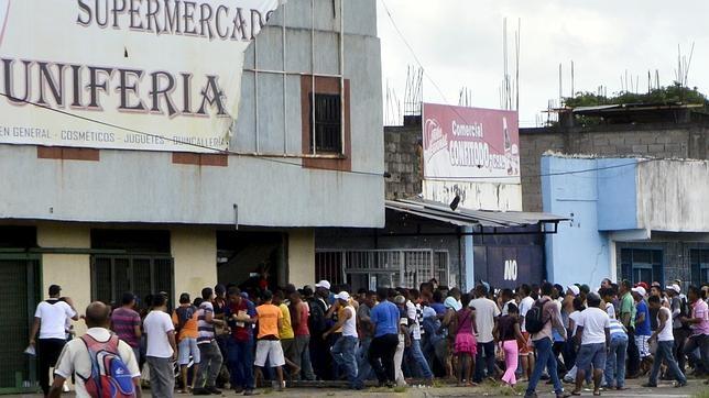 NOTICIAS DEL MUNDO EN UNA IMAGEN Asalto-supermercado-venezuela--644x362