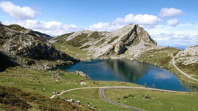 Un grupo de montañeros ha hallado este sábado el cuerpo sin vida de un hombre en Picos de Europa