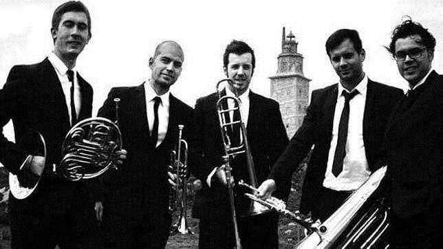 Hércules Brass Quinteto actuará esta tarde a las 20.30 horas en el Monasterio de San Rosendo