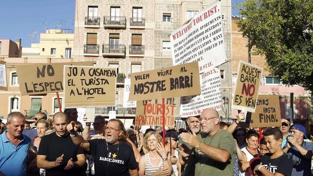 Barcelona condonar la multa a apartamentos ilegales si for Pisos turisticos madrid