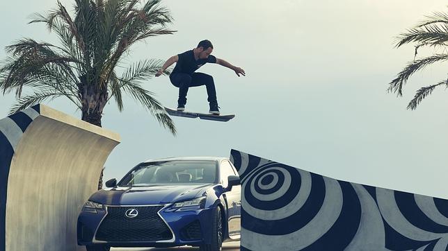 El monopatín volador de Lexus finaliza en Barcelona su exitosa fase en pruebas