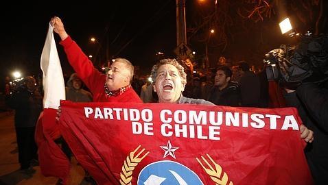 Familiares de desaparecidos celebran la muerte de Contreras, máximo represor de la dictadura de Pinochet