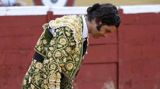 Morante cuaja un faenón y se niega a matar al quinto