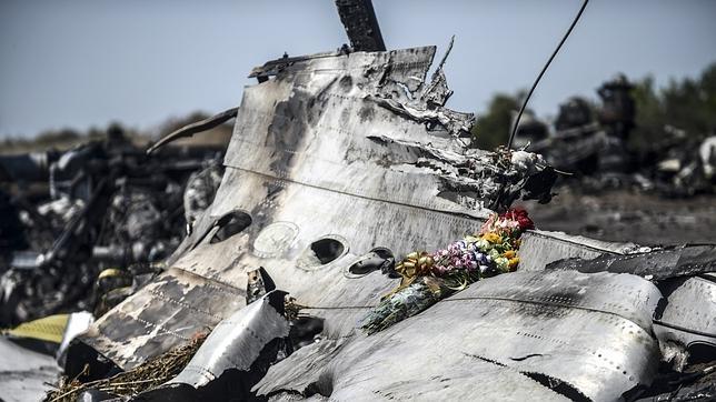 Los restos encontrados donde impactó el MH17 podrían ser de misiles rusos Buk