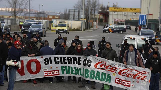 Protesta de los trabajadores de Fuenlabrada en la planta de Coca-Cola