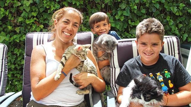 Blas junto a su nueva familia