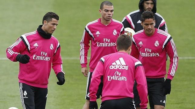 Pepe y Varane, junto a Cristiano