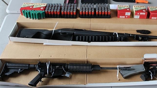 Las armas que llevaban los detenidos