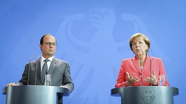François Hollande y Angela Merkel en la cancillería de Berlín