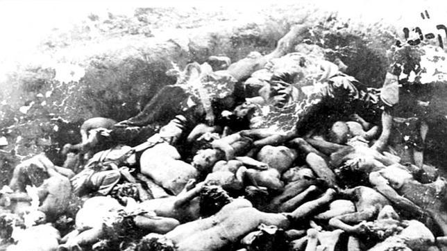 Fosa común en Ucrania durante la II Guerra Mundial