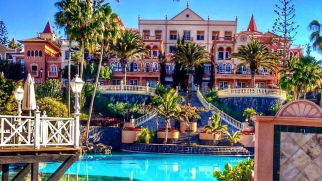 Los lujosos hoteles de los famosos en tenerife for Nombres de hoteles famosos
