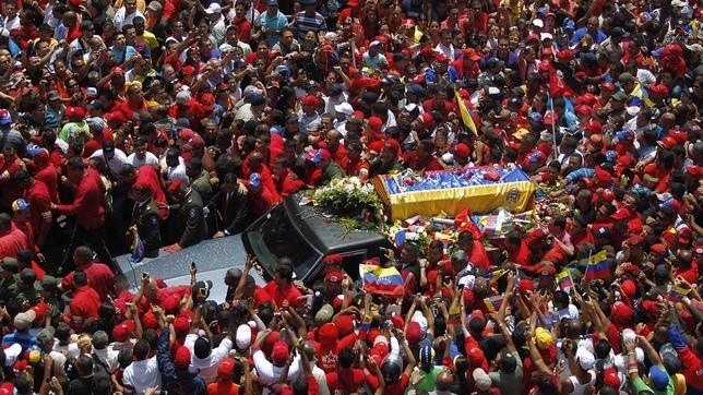 Cuando Colombia «expropió» el coche fúnebre de Hugo Chávez