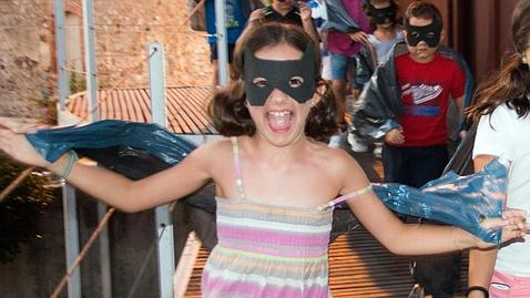 Como Uxue Unzalu (8 años), los niños disfrutan de las actividades de divulgación científica como Bat Night